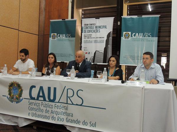 SAERGS participa de fórum em Santa Maria